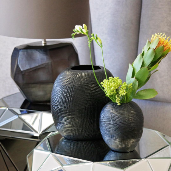 Raven vases