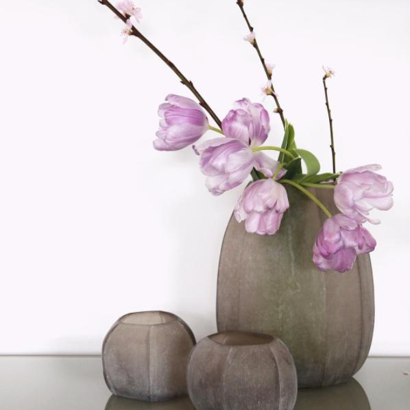 Thastle vase