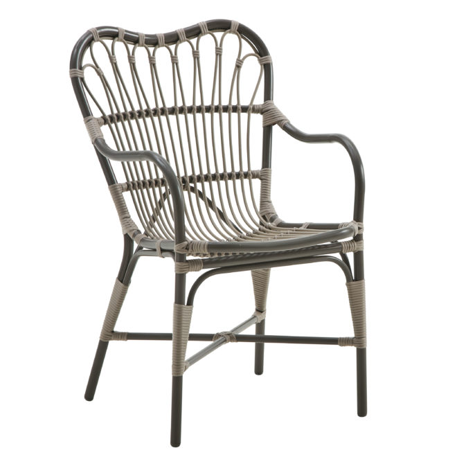 Margret Chair, Exterior