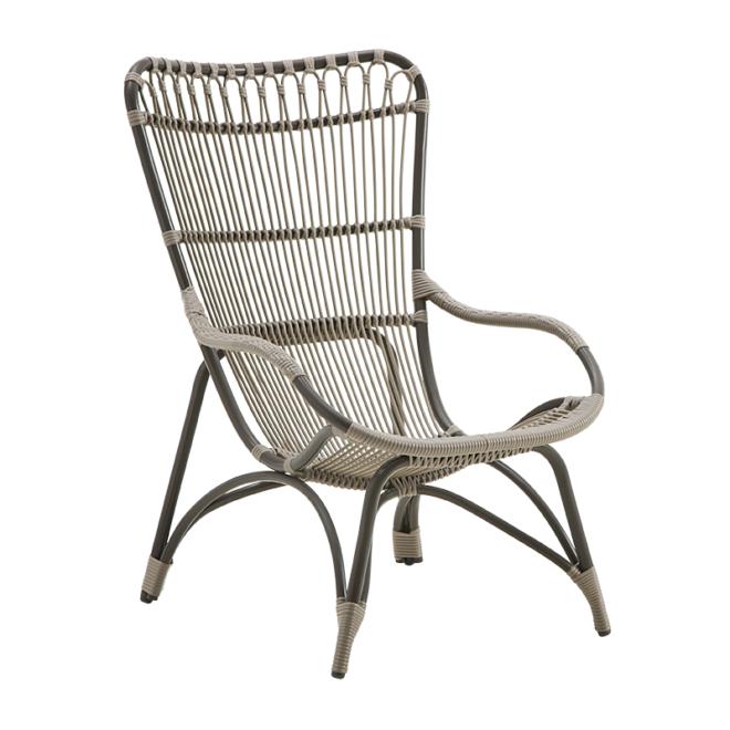 Monet Chair, Exterior